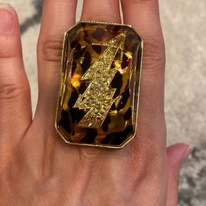 Betsey Johnson vintage leopard lucite bolt ring